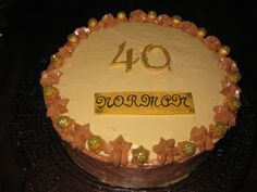 Tarta de moka y dulce de leche para un cumpleaños muy especial.