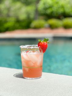 Strawberry Margarita with Homemade Strawberry Syrup – The Small Things Blog Happy Hour Drinks, Fun Drinks, Yummy Drinks, Beverages, Easy Margarita Recipe, Margarita Recipes, Cocktail Drinks, Cocktail Recipes, Cocktails