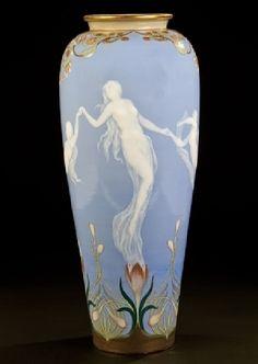Lavender and white Art Nouveau vase – Hans Rudolf Hentschel – 1896