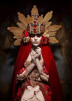 H&M: Alex Grimm Headpiece: Alex Grimm Styling: Alex Grimm Model: Sarah Photo: Sylwia Makris Products: Lilly meets Lola Mode Inspiration, Character Inspiration, Pollo Tropical, Foto Fantasy, Religion, Foto Fashion, Dark Fashion, Art Asiatique, Photo Portrait