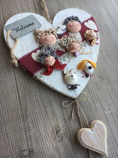 Due Punti Handmade, hobbystica a Treviso Diy Arts And Crafts, Craft Stick Crafts, Diy Crafts, Handmade Angels, Country Paintings, Fimo Clay, Valentines Day Decorations, Fabric Dolls, Sewing Crafts