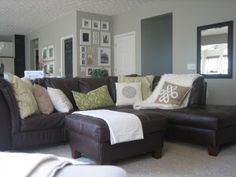 Living room colors with brown couch cozy leather sectionals 24 Ideas Living Room Decor Brown Couch, New Living Room, Living Room Color Schemes, Paint Colors For Living Room, House Tweaking, Design Apartment, Brown Furniture, Couch Furniture, Shaker Furniture