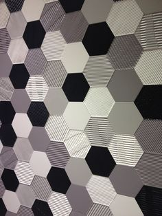 Settecento's Matière tiles are available in a hexagon format & a range of textured surfaces, from saw-cut wood to corrugated cardboard, in a trendy black & white (and grey!) color way. #ceramic #MadeInItaly #geometric #hexagon #texture #tile #cardboard