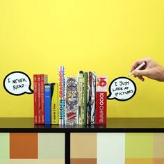 witzige und originelle Buchstützen mit Sprechblasen. Ein schönes Geschenk für Leseratten und alle die das gewisse Etwas suchen. Kreativ und individuell.