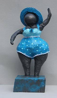 Dikke Dame blauw badpak Sculpture Projects, Art Projects, African Pottery, Plus Size Art, Fat Art, Kettles, Fat Women, Rodin, Museum Of Modern Art