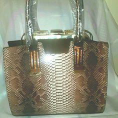 Handbag Beautiful Brown & cream printed handbag with gold details Bags Totes