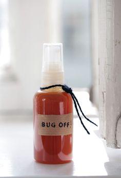 diy natural mosquito repellent: vanilla extract, lavender oil, citronella oil + water