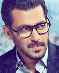 salman Khan best looks Handsome Celebrities, Handsome Actors, Indian Celebrities, Bollywood Celebrities, Ranveer Singh, Shahrukh Khan, Salman Katrina, Salman Khan Wallpapers, Salman Khan Photo