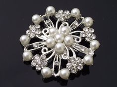 wedding hair clip. peals and crystals