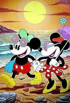 Diamond Painting Retro Mickey and Minnie on the Beach Kit Disney Dream, Disney Love, Disney Magic, Disney Mickey, Disney Art, Minnie Mouse Pictures, Disney Pictures, Disney And Dreamworks, Disney Pixar