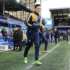 Premier League: Ozil 'ready to leave Arsenal if Wenger remains in charge' Latest Football News, Arsene Wenger, World Cup Winners, English Premier League, Fa Cup, Plein Air, Champions League, Arsenal, Punk