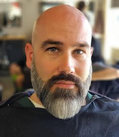 Check out the top 30 latest and attractive Bald with Beard Styles For Men of this year, illustrations included. Amazing Bald with Beard Styles of 2019 Medium Beard Styles, Long Beard Styles, Beard Styles For Men, Hair And Beard Styles, Styles Of Beards, Bald Men Styles, Bald Men With Beards, Bald With Beard, Grey Beards