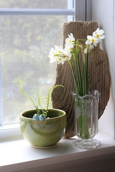 46 Amazing Bathroom Window Sill Ideas for Your Reference Window View, Window Art, Window Ledge, Bathroom Window Sill Ideas, Floral Centerpieces, Flower Arrangements, Vintage Tile, Spring Sign, Windows