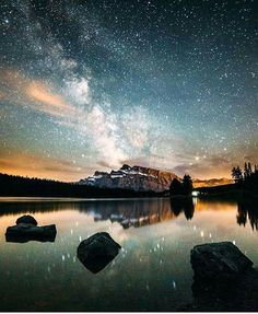 Two Jack Lake, Banff National Park, Alberta, Canada. : © Andy Best @andy_best