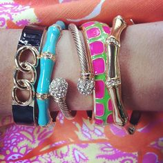 These bangles are bright, Enamel is fun, name all five bracelets and you might WIN one! Comment on our Facebook Page http://www.Facebook.com/SwellCaroline, Tweet @SwellCaroline or email winit@swelcaroline.com to enter by 3PM today! Find the bracelets at SwellCaroline.com The first correct entry also wins their choice of bracelets! We'll choose and post a winner on Facebook this afternoon. Ships to US, Canada and UAE addresses only.