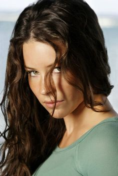 "Lost Evangeline Lilly as ""Katherine 'Kate' Austen"" Tauriel, Nicole Evangeline Lilly, Canadian Actresses, Hollywood, Star Wars, Celebrity Beauty, Beautiful Actresses, Celebs, Portrait"