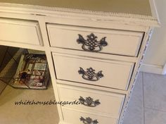 Love the detail on this vintage desk - small but so special!