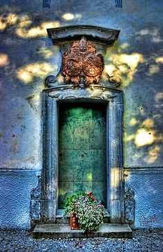 doorways | Found on thegiftsoflife.tumblr.com