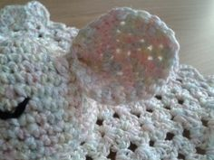Gratis haakpatroon knuffeldoekje - Haakwereld Crochet Earrings, Blanket, Baby, Craft Work, Handarbeit, Blankets, Baby Humor, Cover, Infant