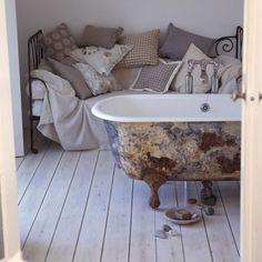 Bathroom: Lime Washed Flooring: Decorating Ideas: Interiors