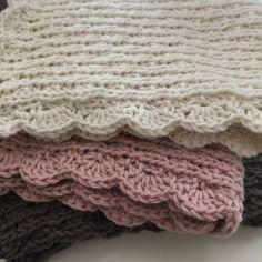 I 10 dage kan I afprøve denne dejlige model på en strikket klud. (UPDATE forlænget for ikke at skuffe nye følgere) Opskrift og design... Crochet Home, Knit Crochet, Wood Crafts, Diy And Crafts, Washing Clothes, Knitting Projects, Upcycle, Crafty, Creative