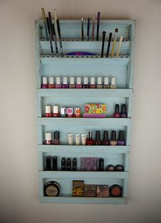 Makeup, jewelry and every other tiny item that we all use everyday should be well kept and wisely organized.