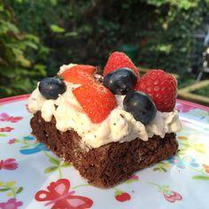 Nyd det! Danish Dessert, Honey Pie, Sweets Cake, Cake Decorating Tips, Cream Pie, I Love Food, Baked Goods, Cake Recipes, Cheesecake