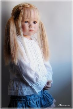 A repin of Linchen, a doll created by Annette Himstedt