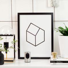 L'affiche white house est imprimée en sérigraphie noire sur du papier de création blanc 300 grammes. Une représentation simple et élégante de l'architecture selon Cinqpoints.