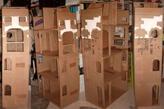 Crazy! I totally have a box (140x70cm) that I could turn into a Barbie House. So I'm really happy I found this before I destroyed the box. I was minutes away. Loulou Chocolat : my cardboard dollhouse in project for Barbie size dolls