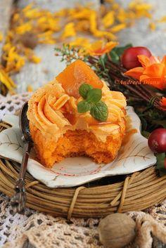 pumpkin and caramel cupcakes. Pumpkin Cupcakes, Cupcake Cookies, Haute Cakes, Caramel Cupcakes, Beautiful Cupcakes, Baby Food Recipes, Orange Color, Waffles, Muffins