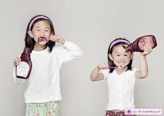 Vader maakt grappige fotos van dochters voor oma 10