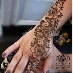 Mehndi henna designs are always searchable by Pakistani women and girls. Women, girls and also kids apply henna on their hands, feet and also on neck to look more gorgeous and traditional. Henna Tattoo Designs Simple, Simple Arabic Mehndi Designs, Full Hand Mehndi Designs, Mehndi Designs 2018, Mehndi Designs For Beginners, Mehndi Designs For Girls, Mehndi Design Photos, Wedding Mehndi Designs, Henna Designs Easy