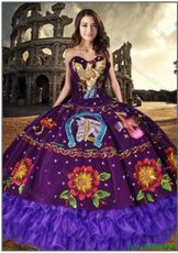 Western Style Discount Organza and Satin Sweet 16 Dress with Embroidery and Ruffled Layers Organza Dress, Ball Gown Dresses, 15 Dresses, Fashion Dresses, Prom Hairstyles, Quinceanera Hairstyles, Champagne Quinceanera Dresses, Mexican Quinceanera Dresses, Vestido Charro