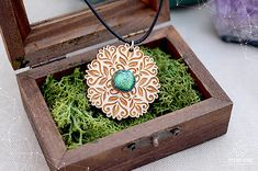 AngelEve / Rozprávkový kvietok - zelený Jewelry Art, Jewellery, Open Art, Crochet Earrings, Pendant Necklace, Jewels, Schmuck, Jewelry Shop, Drop Necklace