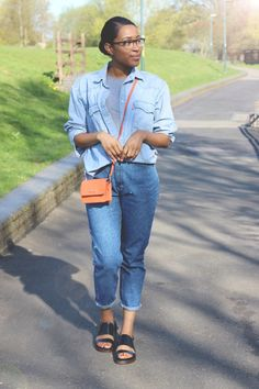 Sade does D-D-DOUBLE DENIM wearing Zena Mae | Shop chunky summer sandals: http://www.clarks.co.uk/features/womens-sandals