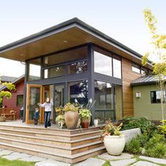 the exterior of this house. (modern exterior by Coates Design Architects Seattle) Shed Design, Roof Design, House Design, Deck Design, Design Design, Modern Design, Seattle, Modern Exterior, Exterior Design