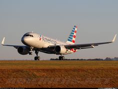 American Airlines N9004F Airbus A319-112 aircraft picture