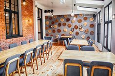 Realisation Shops, Conference Room, Chair, Furniture, Home Decor, Living Room Modern, Bar Stool, Lunch Room, Recliner