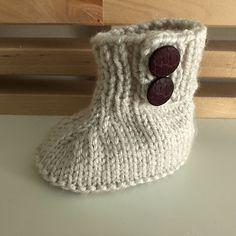 Ravelry: Seamless Baby Booties pattern by Liesbeth Braam Baby Booties Free Pattern, Crochet Baby Dress Pattern, Knit Baby Booties, Baby Knitting Patterns, Baby Blanket Crochet, Baby Patterns, Knitting For Kids, Free Knitting, Knitting Projects