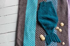 The mermaid tail was the very first pattern I wrote for Crochet at Play. As they do, a couple of errata snuck into the final version of the pattern, added to which folks have had some problems with the increases. Here is a version that is all nice and polished up and includes a crochet chart for t