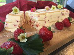 Erdbeer – Topfen – Tiramisu … – Backen mit Christina … Delicious Desserts, Clean Eating, Deserts, Food And Drink, Pudding, Favorite Recipes, Sweets, Cooking, Hakuna Matata