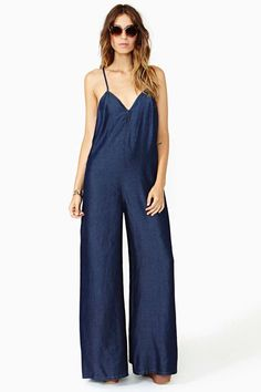 Rhapsody Chambray Jumpsuit in Clothes Bottoms Rompers + Jumpsuits at Nasty Gal – SkillOfKing. Chambray Jumpsuit, Jumpsuit Dressy, Designer Jumpsuits, Vestido Casual, Moda Casual, Boho Pants, Summer Outfits Women, Fashion 101, Jumpsuits For Women