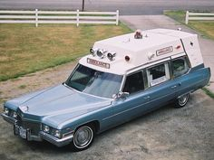 1972 Cadillac Deville 54 Ambulance by Superior Coaches Emergency Ambulance, Emergency Vehicles, American Ambulance, Flower Car, Air New Zealand, Panel Truck, Rescue Vehicles, Retro Cars, Vintage Cars
