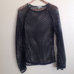 Fishnet top  Add some FUN & EDGE to your outfit with this long sleeve fish net top! No holes or stains! SMOKE FREE HOME! Papaya Tops