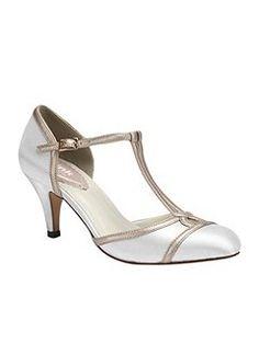 00a488ef007 Tutu vintage style t-bar shoes Vintage Shoes, Vintage Style, Vintage  Fashion,