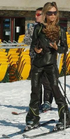 568867289 Posh Ice  Victoria Beckham on the slopes