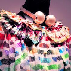 Welcome to Chanel's art school, class of Spring Summer 2014. It's in the details! ◎美術大の先生がカールラガーフェルドだったら?シャネルのアート溢れた春夏2014年 ディテール公開!