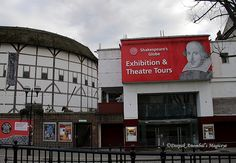 Shakespeare's Globe Theatre, London  (LW17-1)