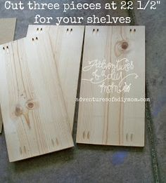 Adventures of a DIY Mom: How to Build a Bookshelf Woodworking Patterns, Woodworking Furniture, Woodworking Tips, Diy Furniture, Woodworking Jigsaw, Furniture Projects, Diy Bookshelf Plans, Bookshelves Built In, Build Shelves